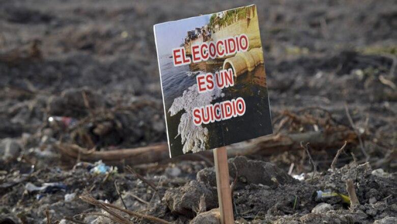 Activistas enviaron un mensaje al secretario ejecutivo de la Convención sobre Diversidad Biológica de la ONU, pidiéndole no respaldar la destrucción del manglar.