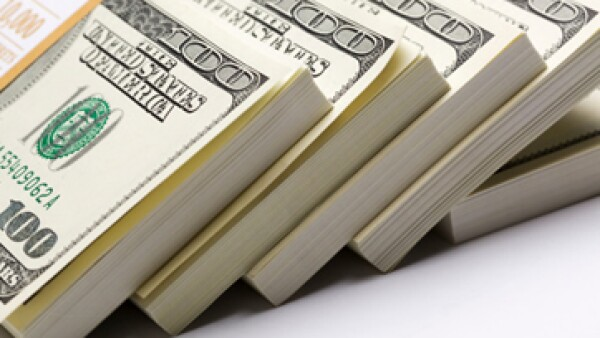 El aumento de las tasas de interés podría darle al dólar una ventaja sobre otras divisas. (Foto: Getty Images)