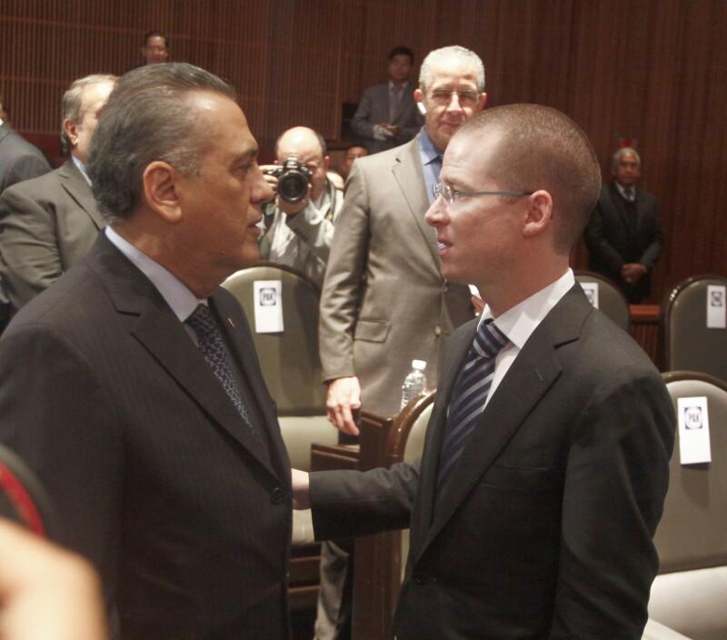 El priista Manlio Fabio Beltrones (izquierda) y Ricardo Anaya del PAN (derecha), han fijado su postura entorno a la contienda electoral en Tamaulipas.