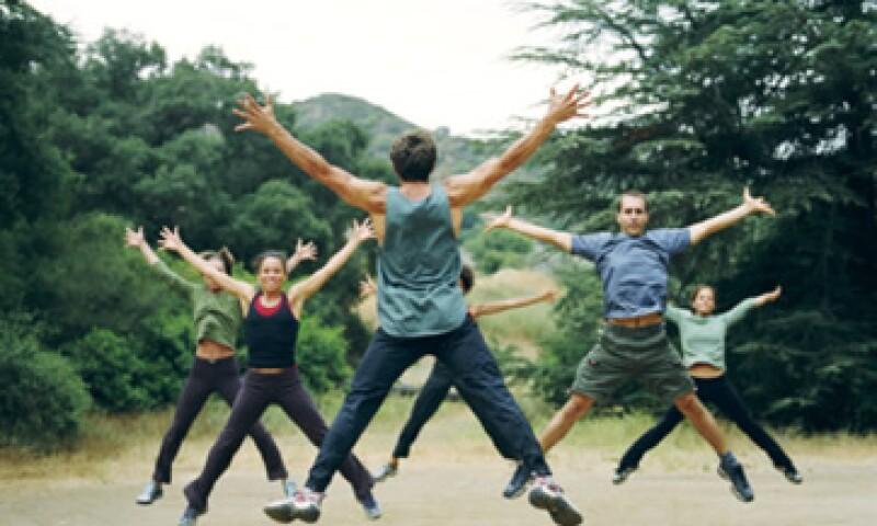 El ejercicio eleva los niveles de endorfinas y aumenta la energía para el resto del día. (Foto: Thinkstock )