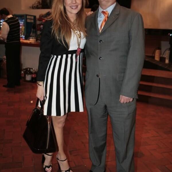 Julia Salcido y Daniel Lasky