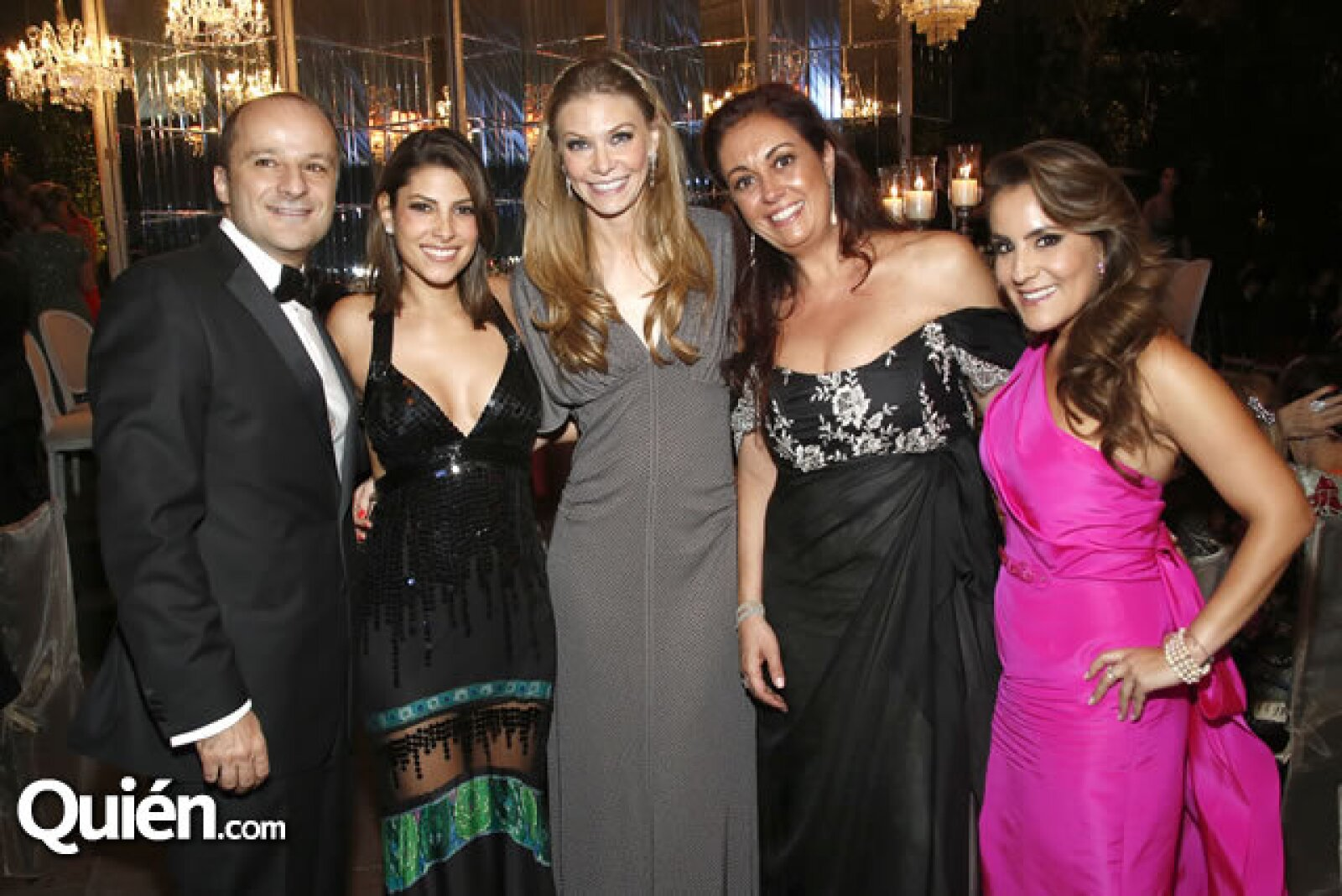 Eduardo Bejos, Sylvana Beltrones, Lili Henaine, Norma Aiza y Silvia Rojo