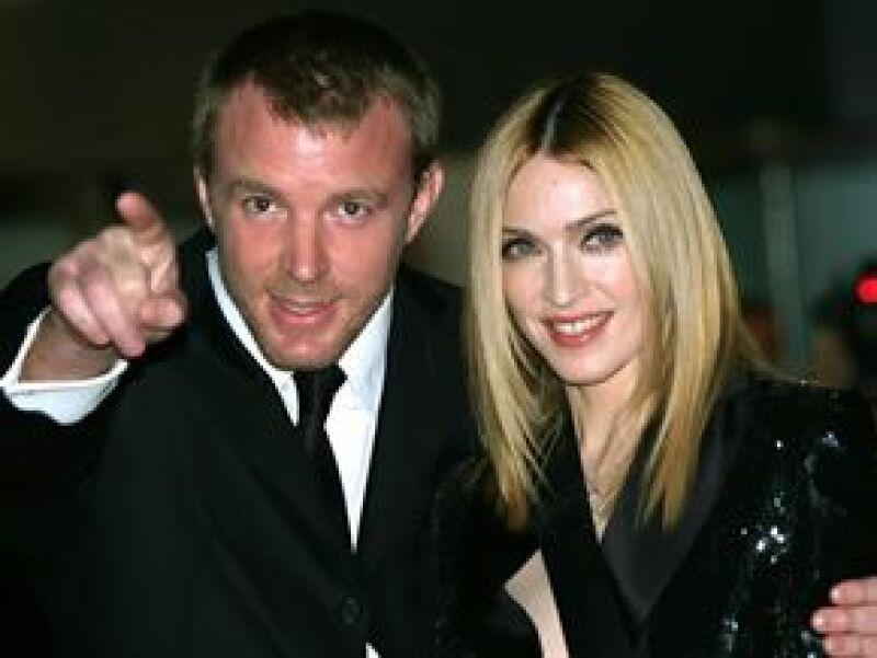 Dicen que la insensibilidad del cineasta cuando Madonna cayó de un caballo hace tres años fue el detonante de la separación.
