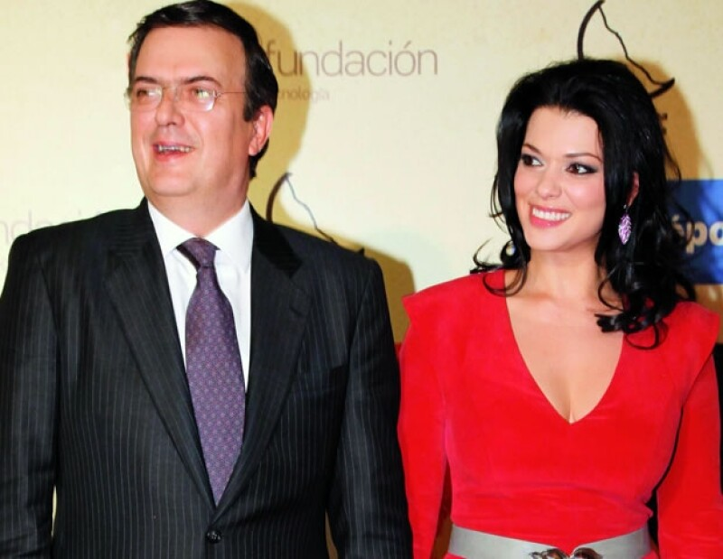 Marcelo Ebrard y Rosalinda Bueso.