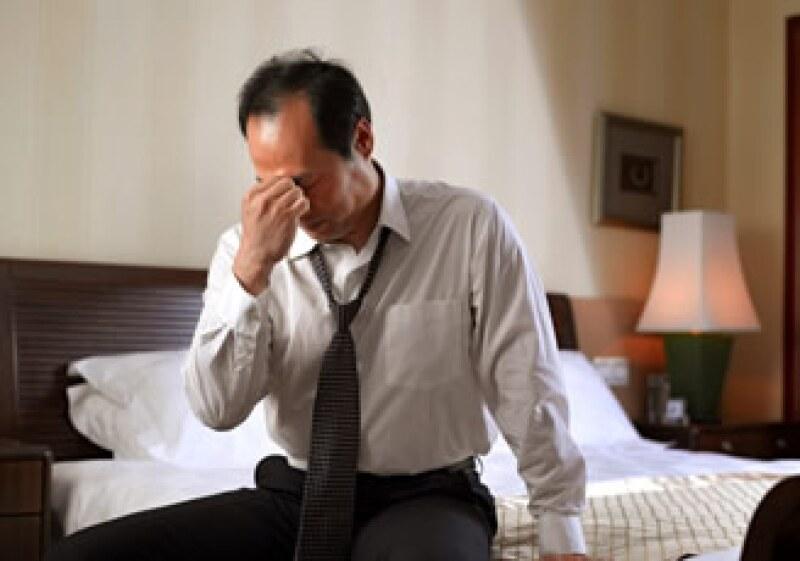 Un empleado deprimido, deprime a su esposo o esposa, a sus hijos y a su entorno inmediato. (Foto: Jupiter Images)