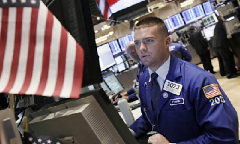 La Fed dijo que lanzará un nuevo programa de 400,000 millones de dólares que rebalanceará su cartera de bonos de 2.85 billones de dólares. (Foto: AP)