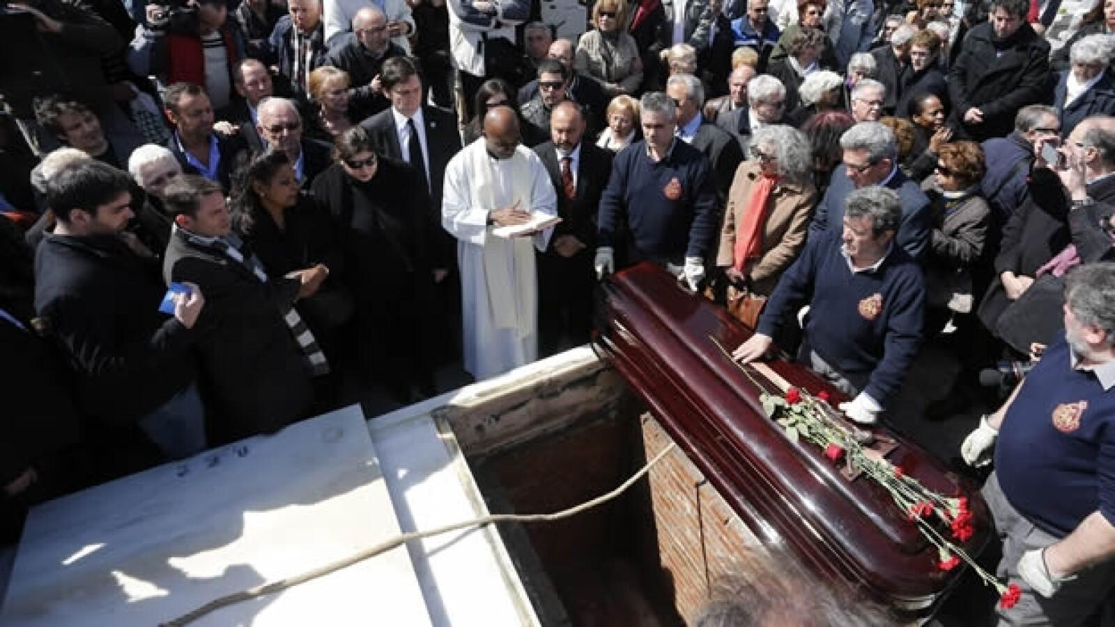 Sara Montiel funeral 4