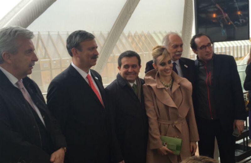La cantante mexicana por naturalización fue nombrada anfitriona para cantar, acompañada por mariachi, a los invitados especiales e importantes personalidades mexicanas en la Expo Milán 2015.