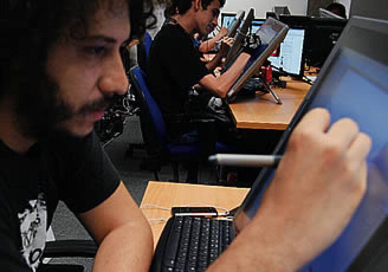 En el Centro de Software de Guadalajara, los diseñadores y programadores de Batallón 52 son parte de una nueva generación de profesionales. (Foto: Adán Gutiérrez)