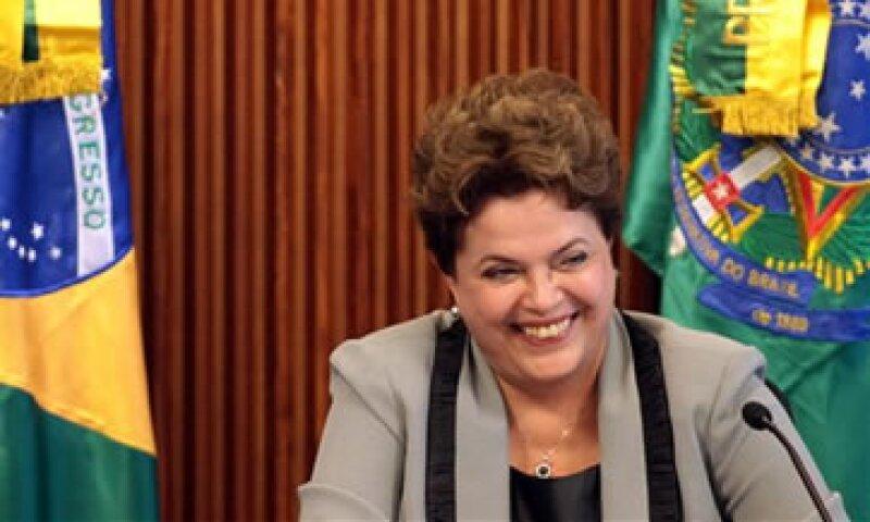 Es la mayor reducción de tarifas de electricidad que el país haya jamás visto, dijo Rousseff. (Foto: AP)