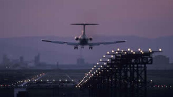 En total, 1,558 millones de pasajeros circularon por alguno de los 12 aeropuertos de GAP en febrero. (Foto: Photos to go)