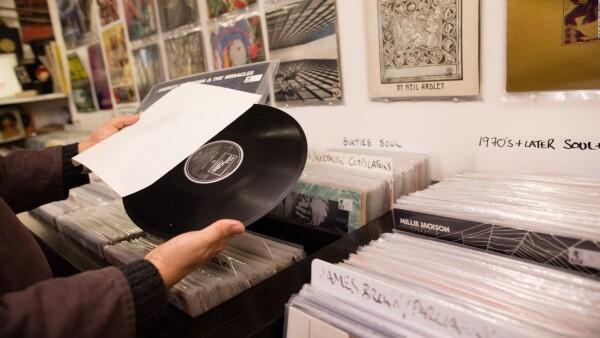 #LaCifraDelDía: 28, los años que tardó Sony Music en revivir los discos de vinil