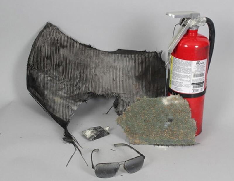 Un vendedor anónimo ha puesto a la venta las gafas y un extintor que encontró donde murió el actor. Parte de lo recaudado irá destinado a la fundación &#39Save the Mustangs&#39.