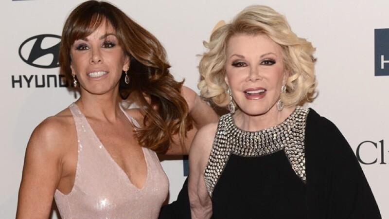 Melissa Rivers (izquierda) informó que su madre abandonó el hospital tras problemas cardiacos