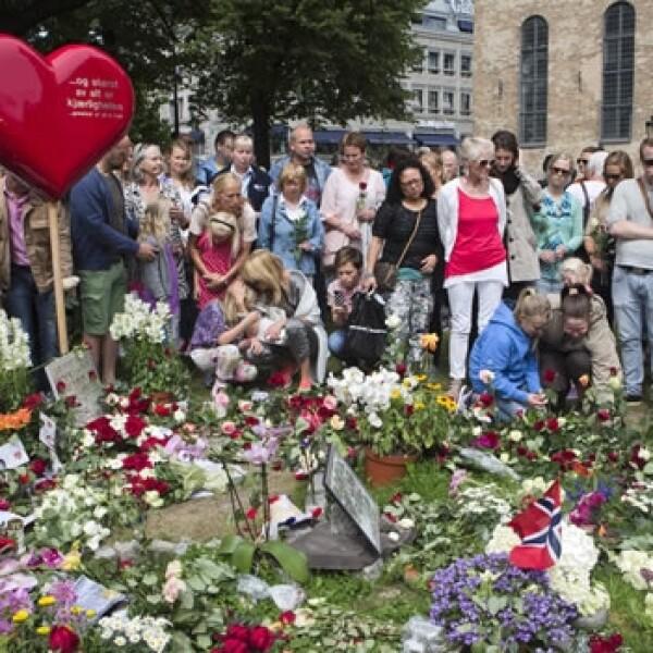 Noruegos recuerdan la matanza en Utoya