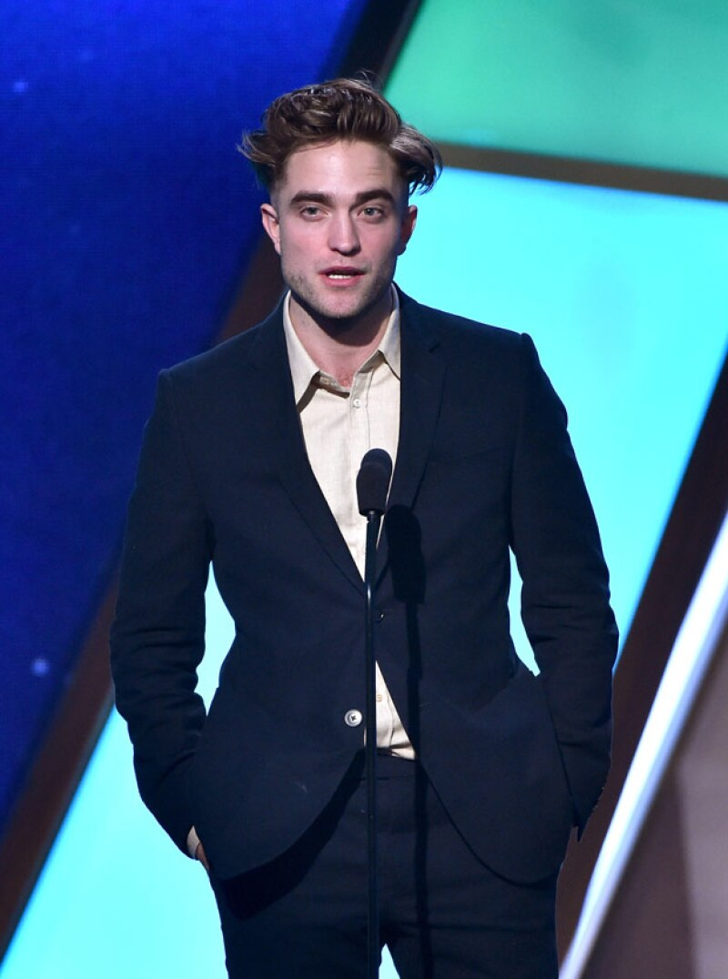 Robert Pattinson tiene un estilo desenfadado... y a las mujeres les encanta.
