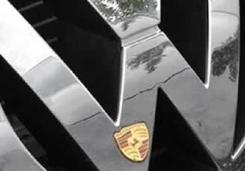 Porsche es dueña del 51% de VW. (Foto: AP)