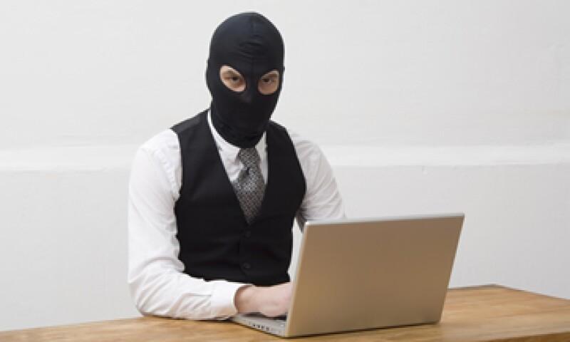 La protección de datos personales y financieros son otros temas que preocupan y, en muchos casos, frenan a los usuarios.  (Foto: Getty Images)