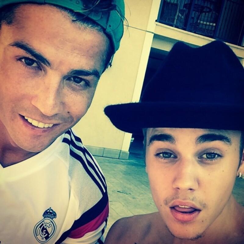 La casualidad, Las Vegas y Los Ángeles reunió por separado a Justin con Cristiano y al futbolista con el boxeador, las tres personalidades mejor pagadas del mundo en la visita de CR7 a EU.