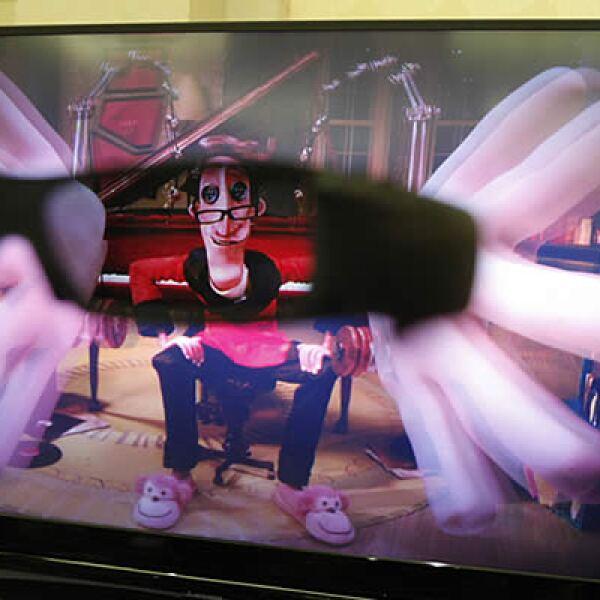 El Consumer Electronic Show inicio este jueves en las Vegas Nevada, EU. En la foto, pantalla Mitsubishi de 52 pulgadas con despliegue de imágenes 3D.