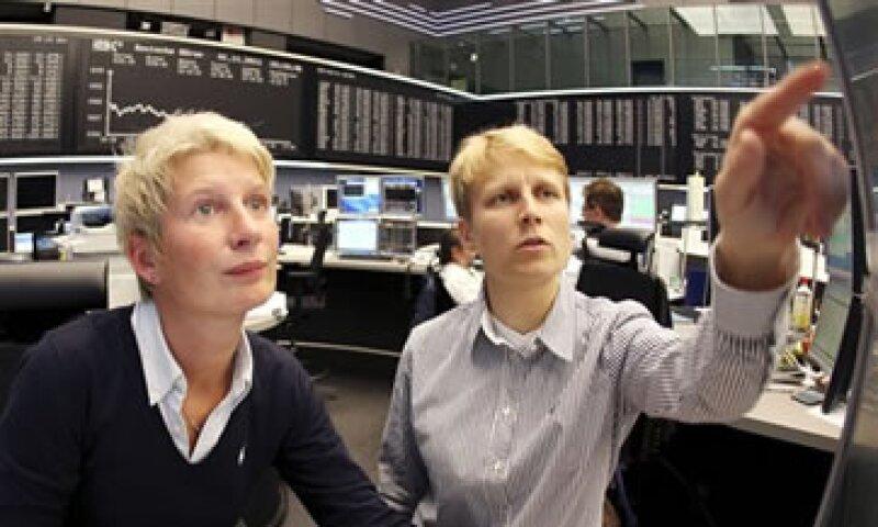 El índice FTSEuronext 300 acumula un descenso de más de 13% en lo que va del año. (Foto: AP)