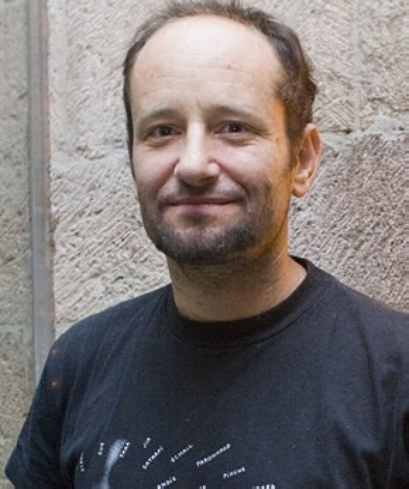 El director mexicano presentó su película `Post Tenebras Lux´ a la prensa durante el festival de cine pero no fue bien recibida.
