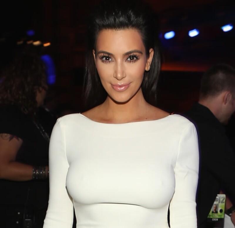 Kim usó un Haute Couture de Givenchy.