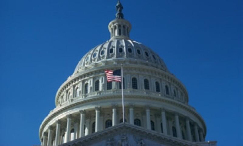 Los legisladores estadounidenses continúan sin un plan para reducir el déficit presupuestal. (Foto: Thinkstock)
