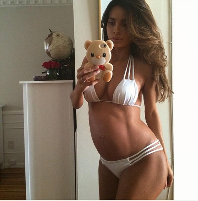 ¡Increíble! Así luce la modelo Sarah Stage con nueve meses de embarazo.