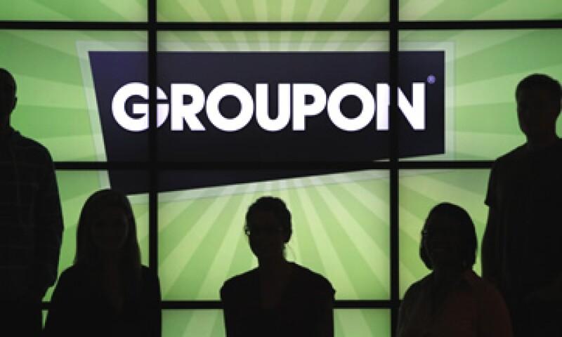 Groupon la regó al haber rechazado la oferta de adquisición de Google, según un analista. (Foto: AP)