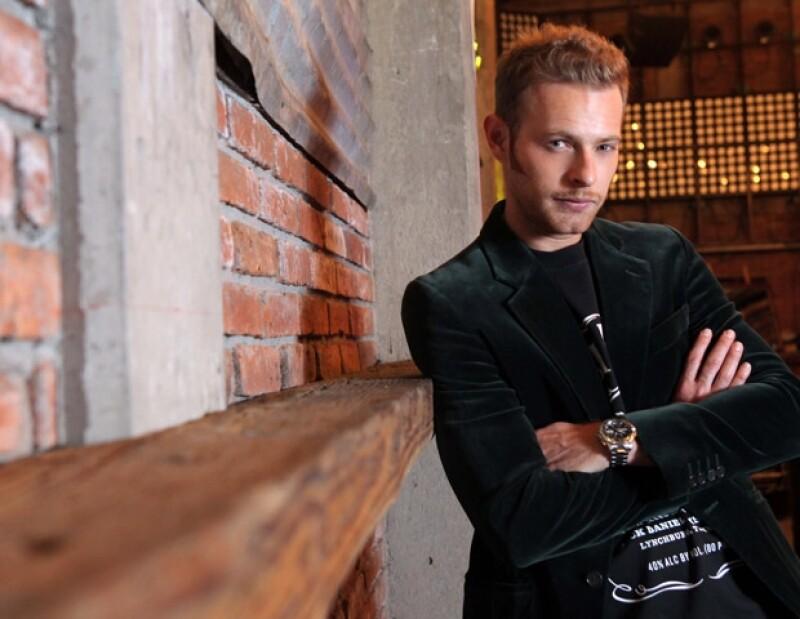 El actor estrenó una faceta: la de empresario en el giro de restaurantes y antros pues recientemente inauguró San Blas y Walther.