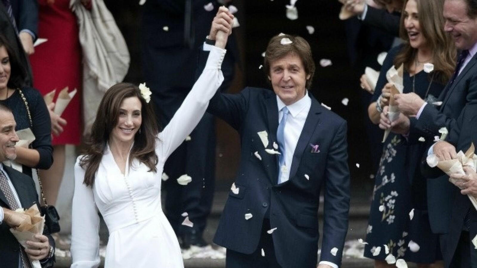 mccartney y su novia nancy shevell