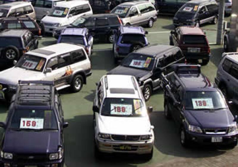 En el mercado nacional se vendieron 820,000 unidades en 2010 y los autos importados que entraron al país fueron 430,000. (Foto: AP)