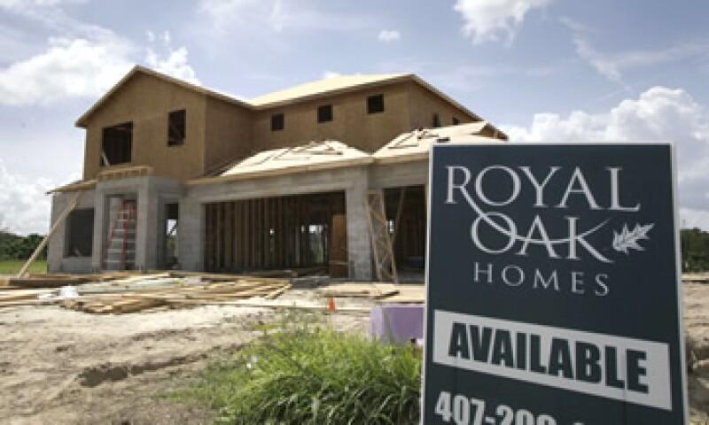 La crisis hipotecaria muestra que, 6 años después de la 'burbuja' inmobiliaria, el mercado residencial de EU sigue siendo un lío. (Foto: AP)