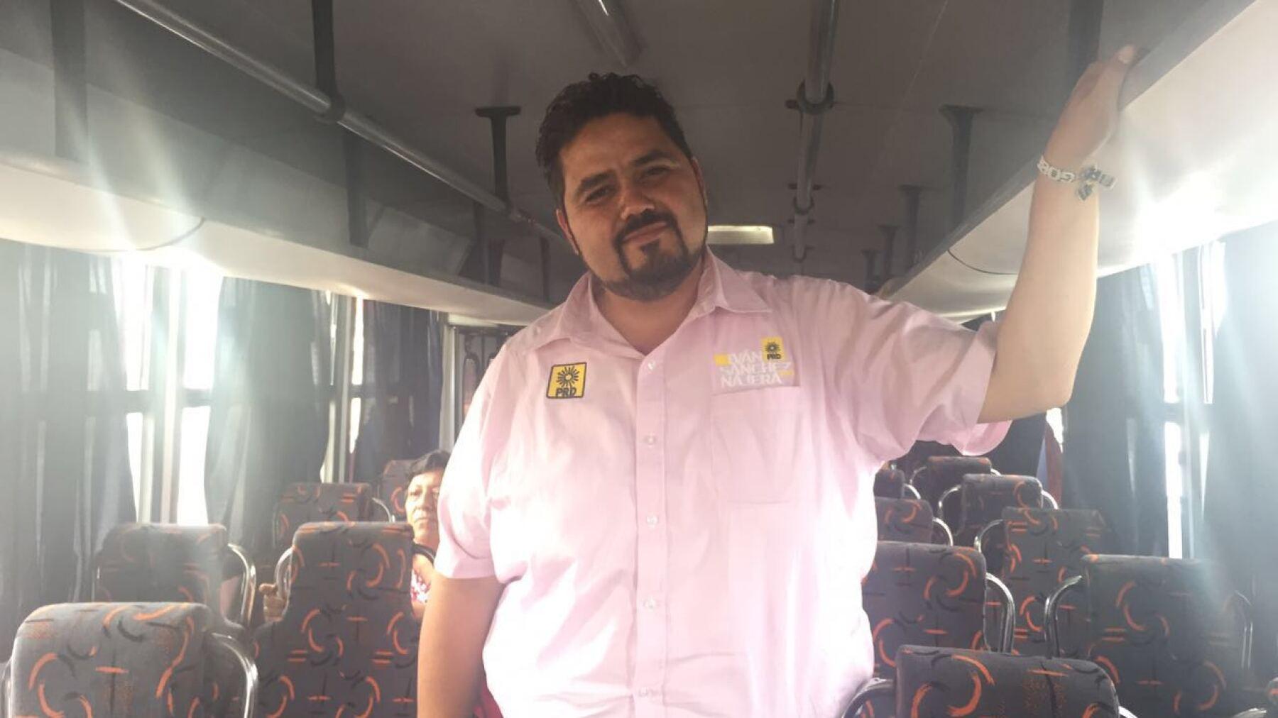 Entre los planteamientos de campaña del candidato del PRD a gobernador de Aguascalientes, Iván Sánchez Nájera, destacan los de educación.