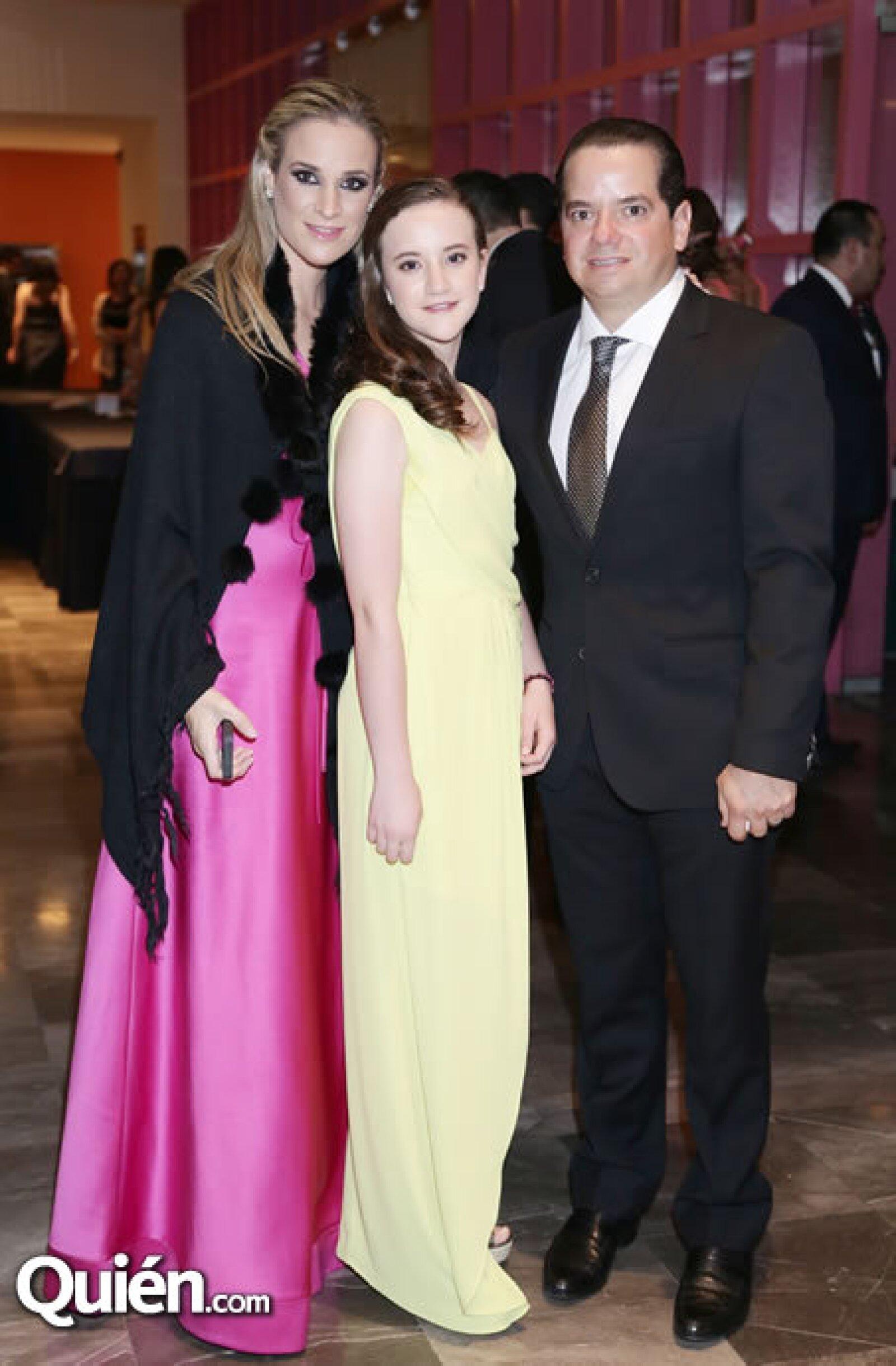 Cristina García,Malena Fernández,Mauricio Leiva