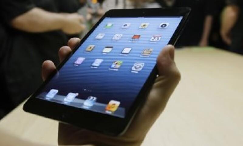 La iPad mini es delgada como un lápiz y tiene una pantalla de 7.9 pulgadas en diagonal. (Foto: AP)