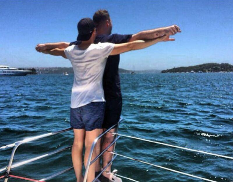 El momento Titanic no pudo faltar durante las últimas vacaciones de Sam Smith y su novio.