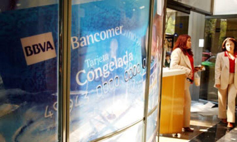 BBVA envió al a Bolsa Mexicana de Valores sus estimaciones del impacto del decreto. (Foto: AP)