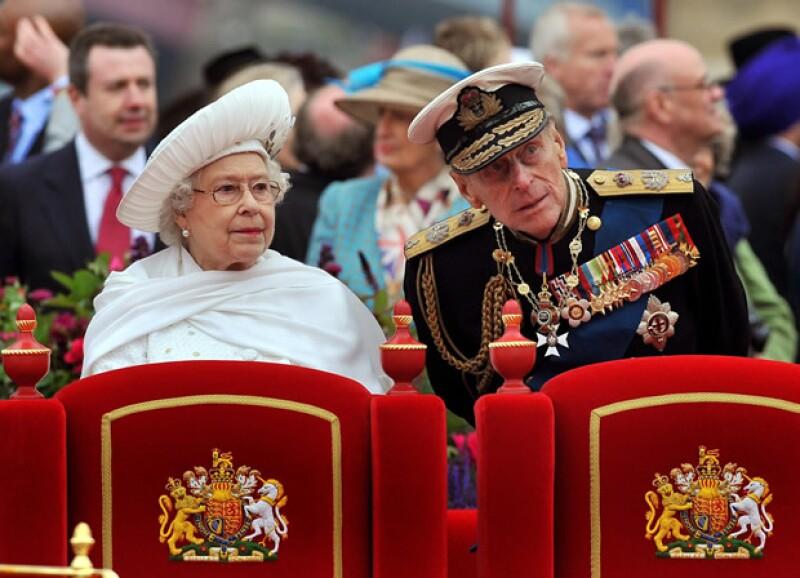 El esposo de la Reina de Inglaterra fue ingresado al hospital el lunes debido a una infección, razón por la que se perdió parte de los festejos del jubileo.