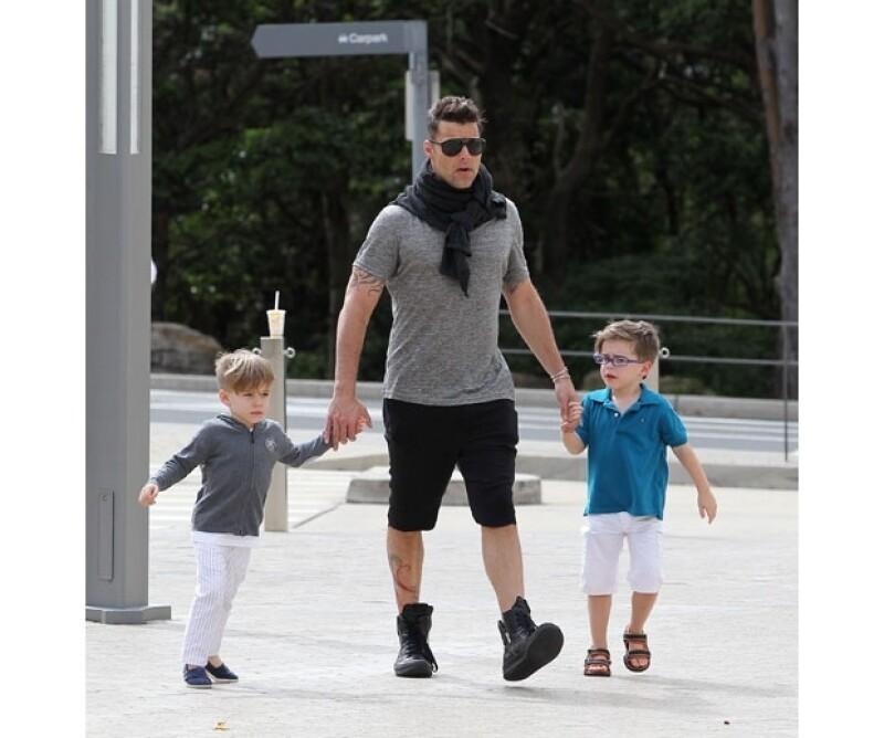 Matteo y Valentino reciben mucho amor de su padre.