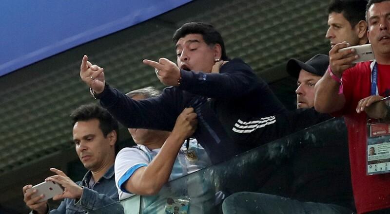 Festejo de Maradona