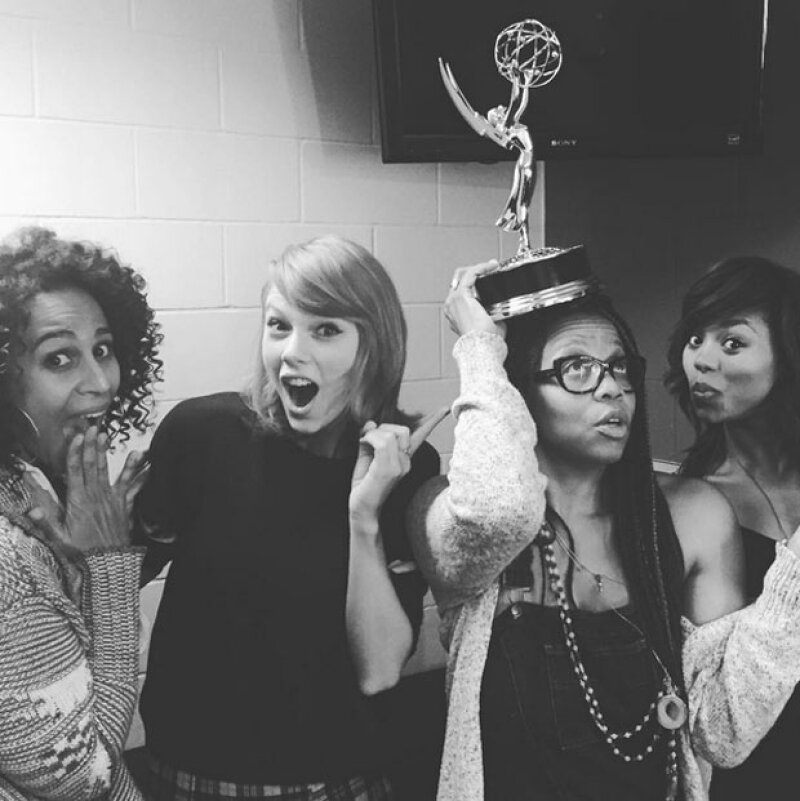 De acuerdo al vocero de Taylor, ellos proporcionaron la información a la estación de radio, que tomó la decisión días después y sin la intervención de la cantante.