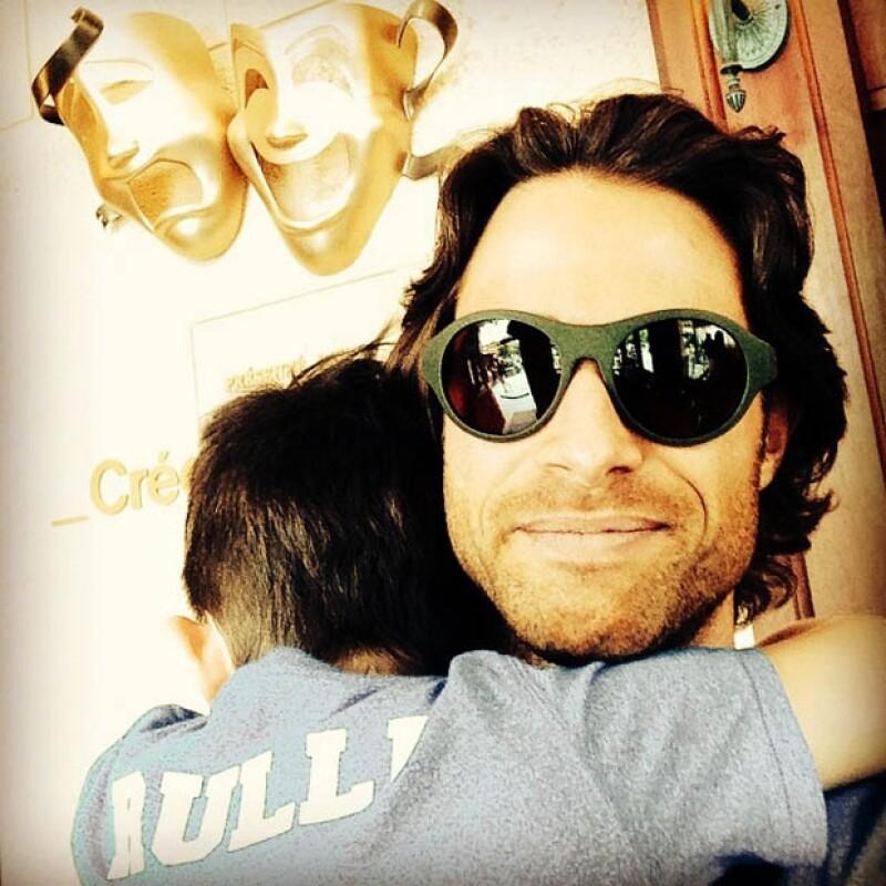 Cecilia Galliano, también argentina es la mamá del hijo de Sebastián Rulli, Santiago a quien adora.