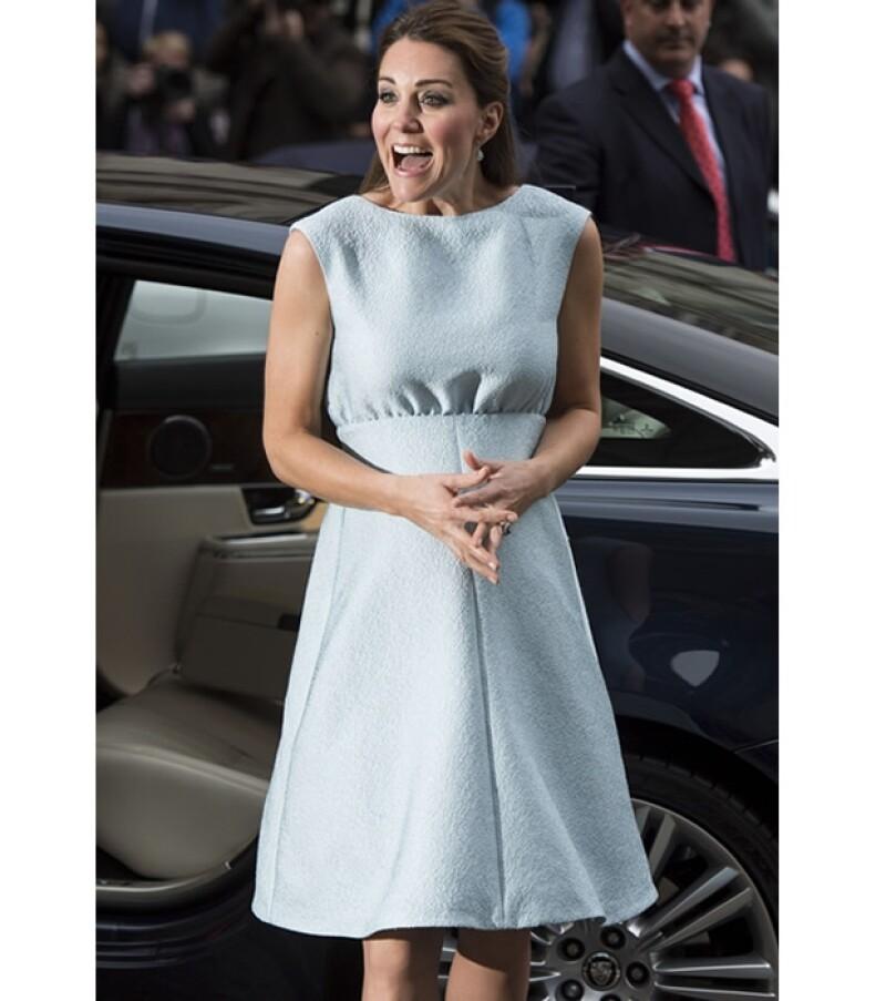 Kate se mostró muy sonriente y contenta durante su visita.