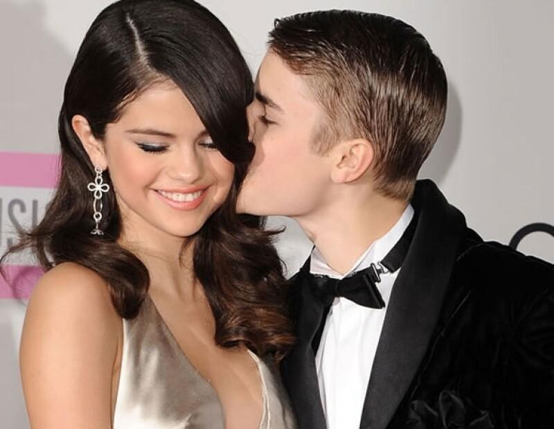 Luego de meses de rumores, Selena y Justin confirmaron su noviazgo en febrero de 2011. (Foto: Getty Images.
