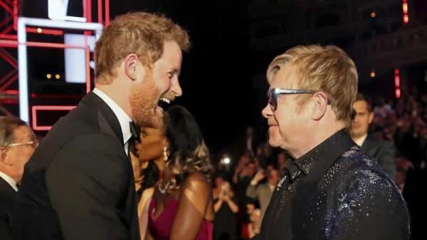 Harry y Elton John