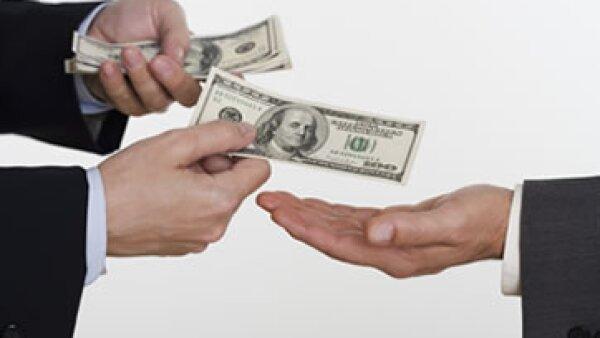 Las transacciones de las filiales hacia las matrices, por más de 25% del capital básico, requerirán autorización. (Foto: Getty Images)