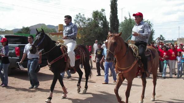Como parte de su trayectoria política, Ricardo y David han encabezado la gubernatura de Zacatecas y la presidencia municipal de Fresnillo, respectivamente.