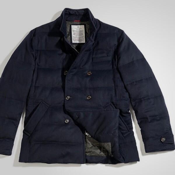 La firma italiana presentó su colección otoño – invierno, basada en colores ocres y acabos en cashmere.